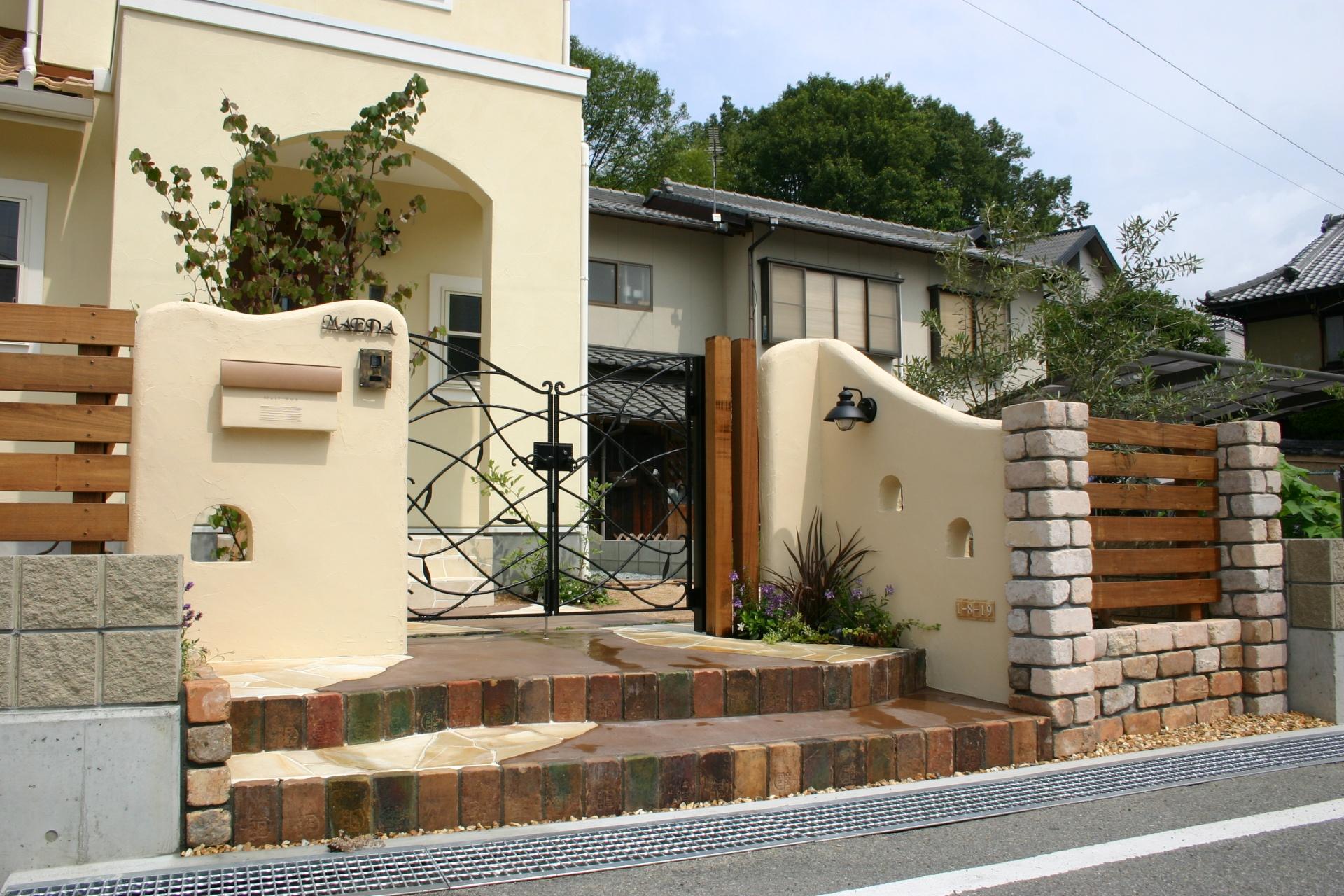 創作的なナチュラルなお庭門周り 姫路市M様邸