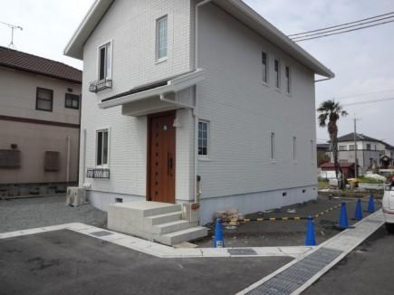 大人可愛いナチュラルな門周り 姫路市K様邸施工前1