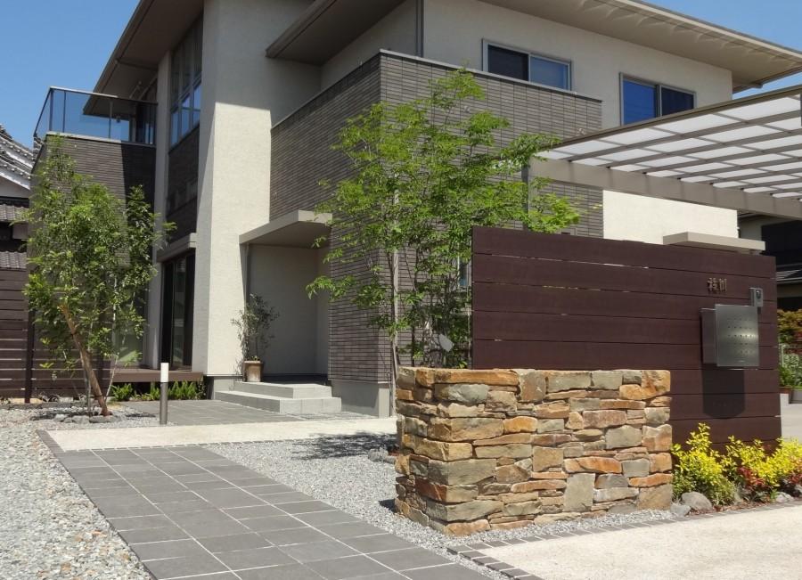 石積み門柱と株立ちのアオダモ 姫路市E様邸
