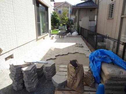 姫路市H様邸車庫拡張工事施工中