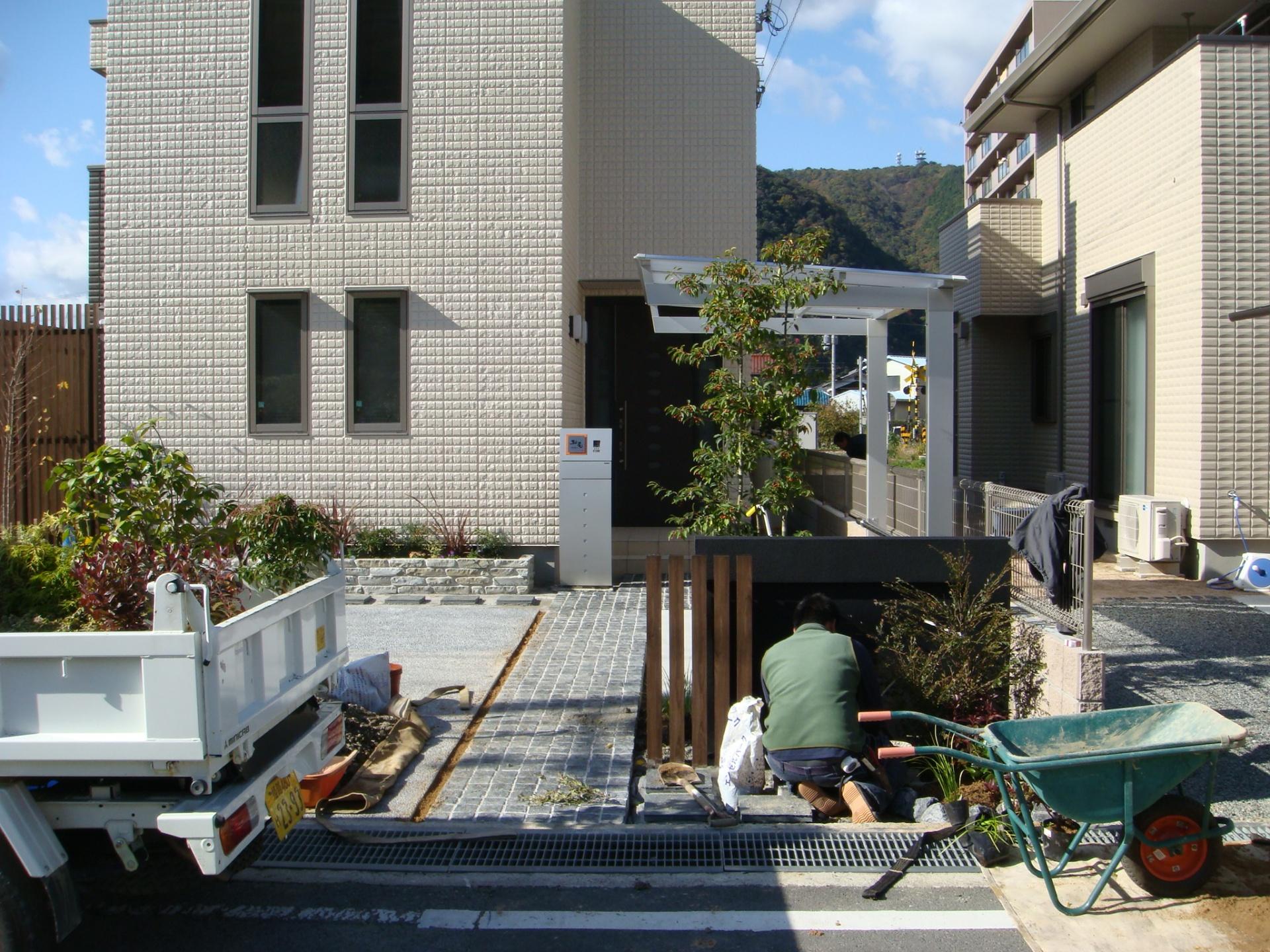 たつの市M様邸お庭工事施工中