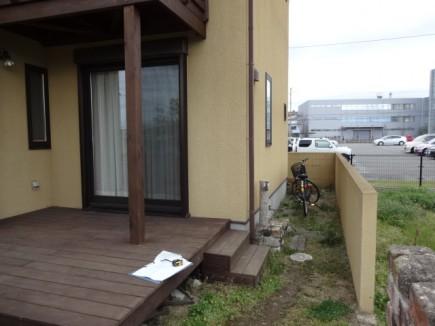 温かみのある木製自転車置き場 加古川市T様邸施工前1