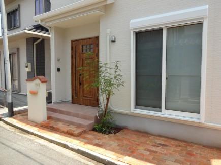 可愛い門柱とレンガアプローチ 姫路市S様邸2