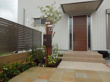 木目柱ですっきりとした門回り 相生市T様邸2