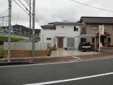 木目柱ですっきりとした門回り 相生市T様邸1