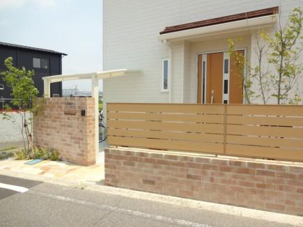 オレンジベージュのレンガを使用した爽やかな門回り 太子町Y様邸塀/フェンス