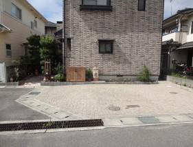 石畳み風インターロッキング敷きパーキング 姫路市M様邸2