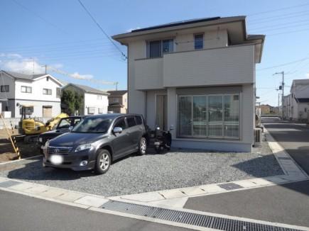 RC杉板風タイル張り門柱とモミジ 姫路市N様邸施工前状況