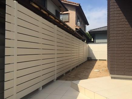 お庭が明るくなる白フェンスで目隠し 姫路市S様邸3
