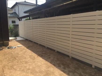 お庭が明るくなる白フェンスで目隠し 姫路市S様邸5
