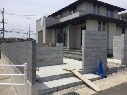 加古川市S様邸外構工事門回り下地ブロック