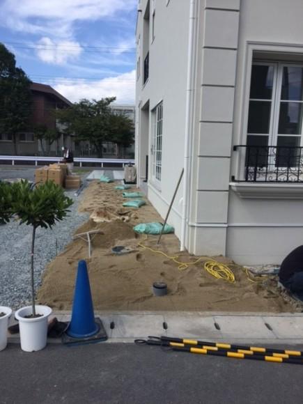 株式会社LEMO様邸外構工事三種混合ロール芝張り1