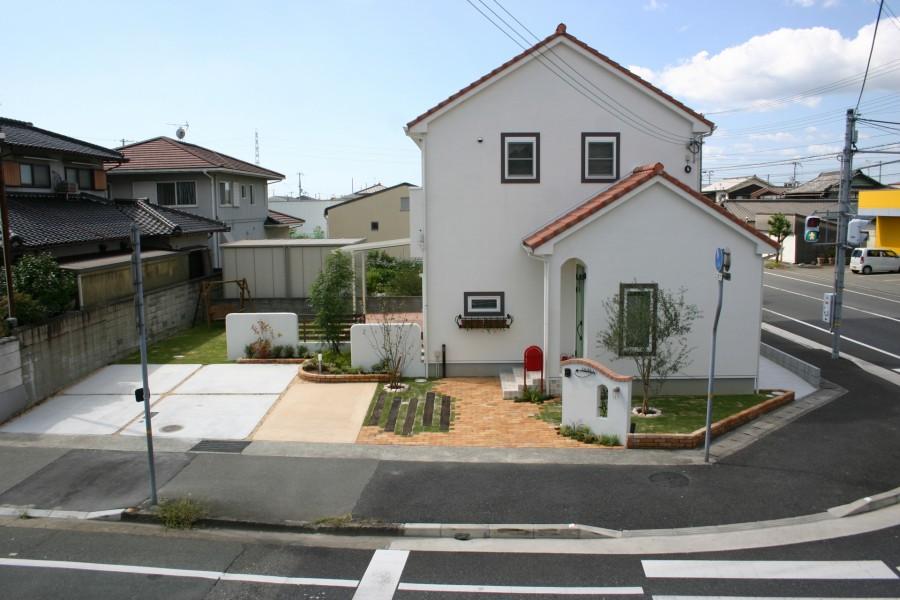 アンティークレンガ敷きのアプローチ 姫路市S様邸2