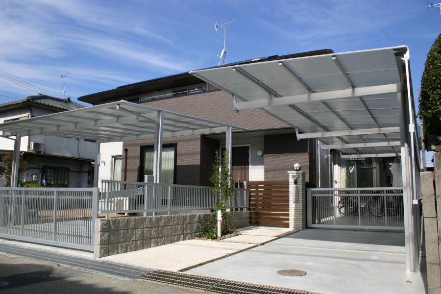 木目でアクセントのある門回り 姫路市F様邸1