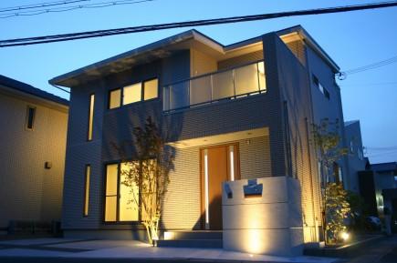 姫路市A様邸外構完成写真ライトアップ2