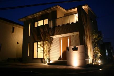 姫路市A様邸外構完成写真ライトアップ3