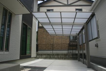 LIXIL:ネスカFカーポート サイドパネルH1000加古川市U様邸