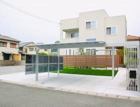 高低差を芝生法面で解消した緑と茶色のコントラストが綺麗な庭 赤穂市K様邸1