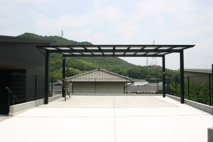2台分のカーポート/広々とした車庫スペース 姫路市F様邸