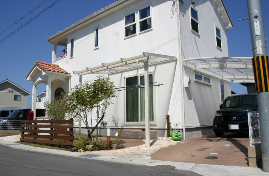白壁にグリーンが映える可愛いお庭 姫路市A様邸1