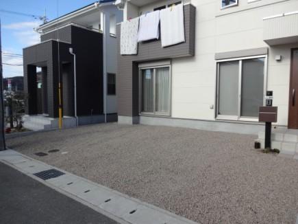 シンボルツリーが映える曲線アプローチにリフォーム 姫路市M様邸3