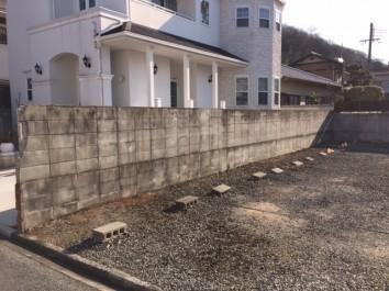 白で統一された洋風住宅に合ったお庭 姫路市N様邸施工前2