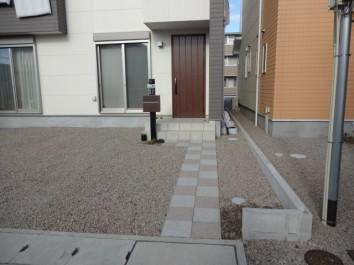 家族と愛車のプレミアム空間Mシェード 姫路市M様邸施工前門周り